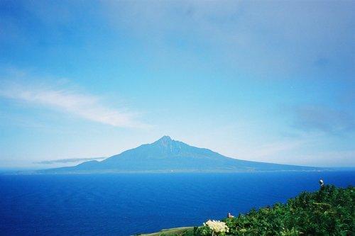 礼文島の桃岩展望台から見た利尻富士