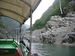 遊覧船からの渓谷