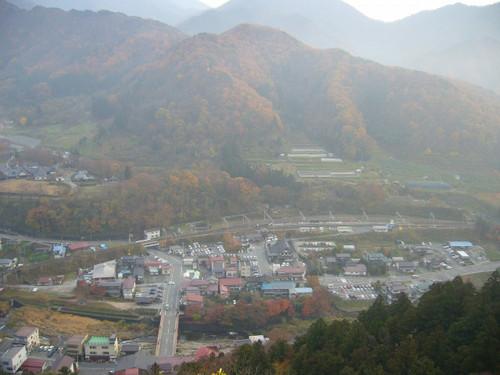 五大堂から見たJR山寺駅周辺