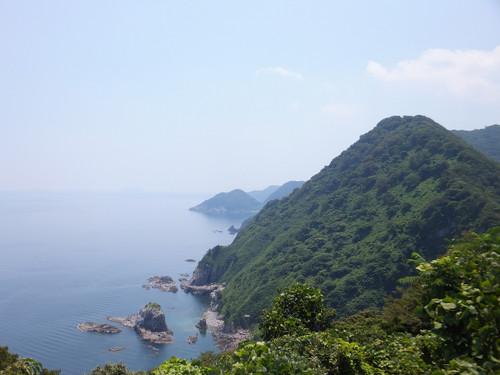 断崖絶壁と日本海