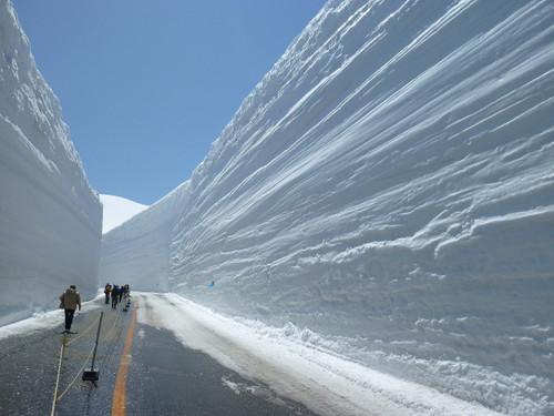 立山・雪の大谷ウォークイベント